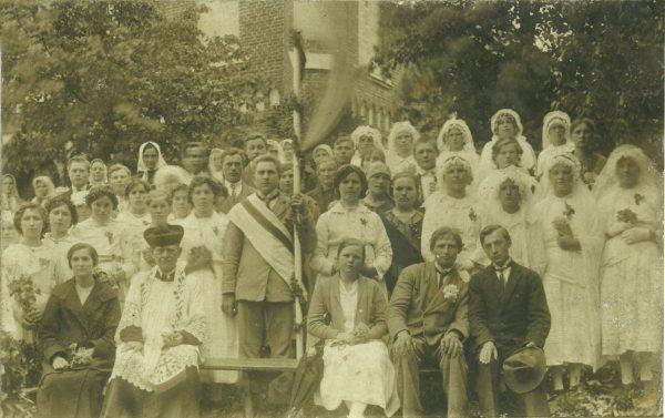 web_Pavasario kuopa su kunigu Adomu Lastausku apie 1935 m.